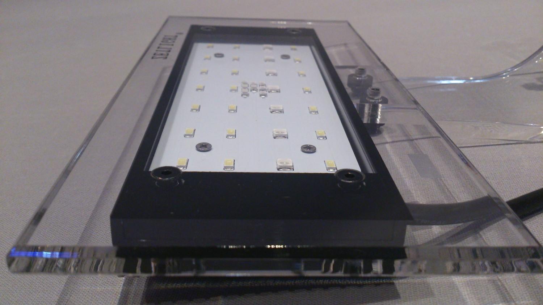 zetlight aqua 1 led 16 watt aquariumlampe aufsatzleuchte beleuchtung led aquariumleuchten. Black Bedroom Furniture Sets. Home Design Ideas